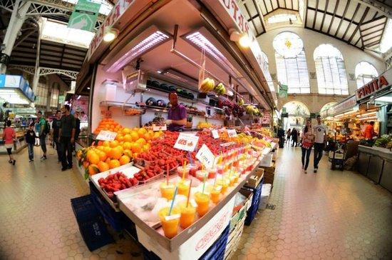 Plaza del Mercado (Placa del Mercat) : Un mercato pieno di colori