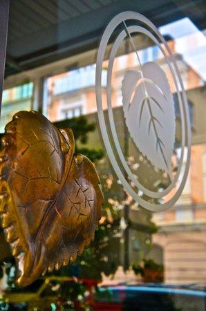 Golden Leaf Parkhotel im Lehel: Eingang