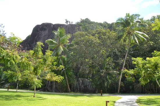 Kempinski Seychelles Resort: out