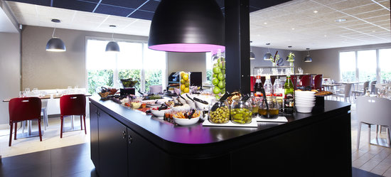 Saint-Arnoult, France: Buffets restaurant