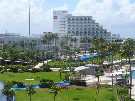 Hotel Riu Palace Peninsula: Torre sólo para parejas