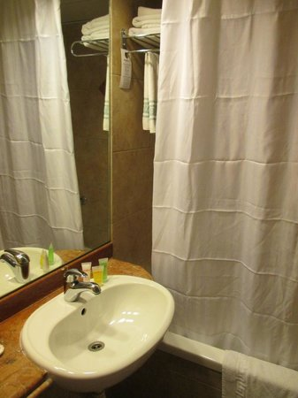 Hotel Prima City Tel Aviv: good bathroom incl toiletries