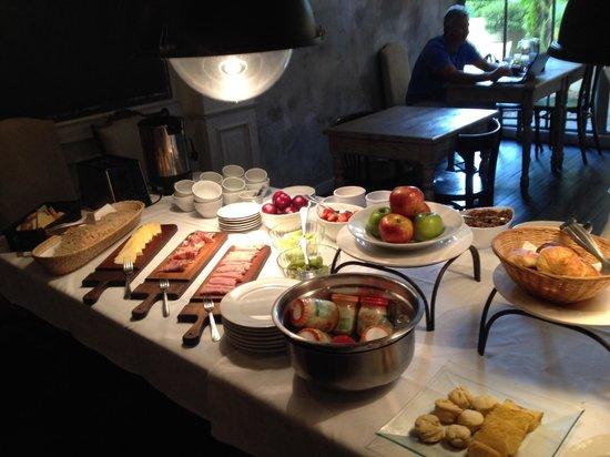 Ultra Hotel : Breakfast