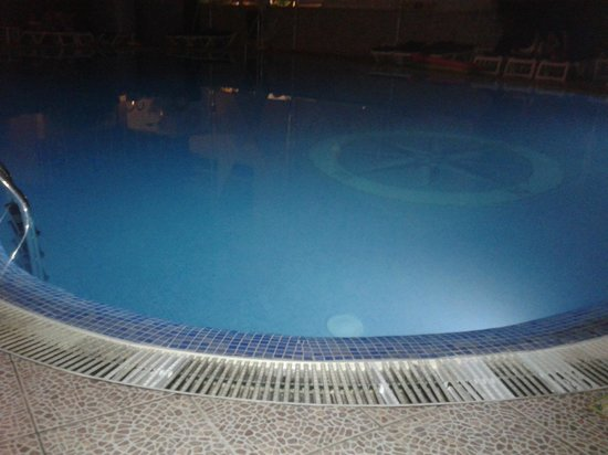 Hotel Piscis : never seemed to be cleaner around the pool