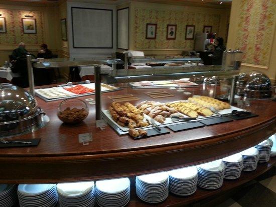 Hotel Mayorazgo: Excelente servicio de desayuno