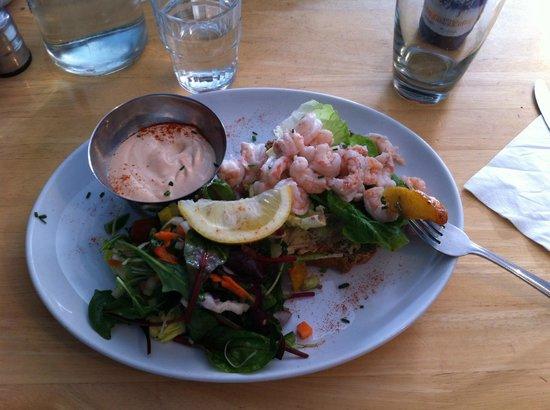 Chowder Cafe: Tiger prawns salad