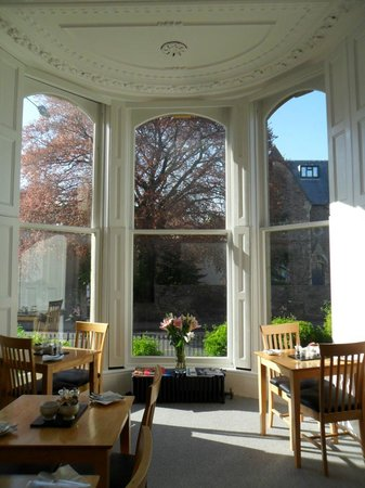 Clifton House: View of the windows in the dining room