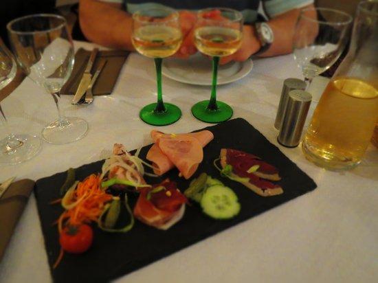 Aux Armes de Colmar: assiette de charcuteries alsaciennes