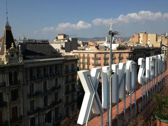 Onix Rambla Hotel : Vista de Barcelona da cobertura do hotel