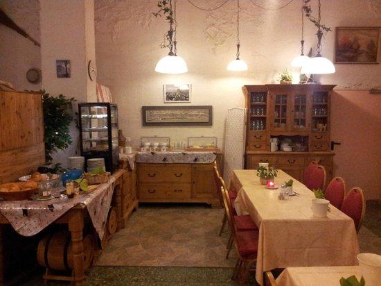 Hotel Heinzelmännchen: зал для завтрака