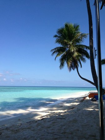 Fihalhohi Island Resort : Spiaggia
