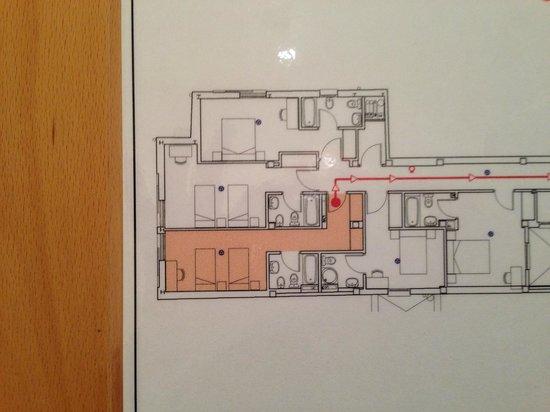 Bilbao Jardines Hotel: 部屋の見取り図。これで部屋の形と広さが大体わかる。