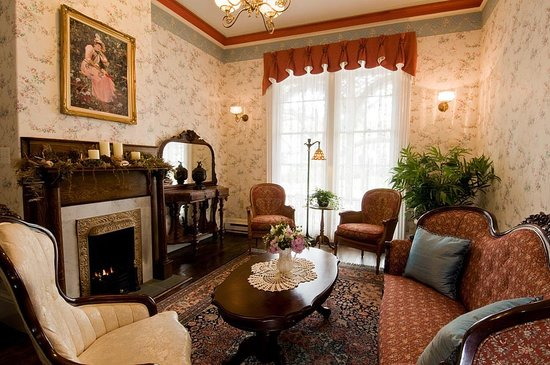 The Mason Cottage Bed & Breakfast Inn : Tea time from 3-4 PM for all Mason Cottage guests