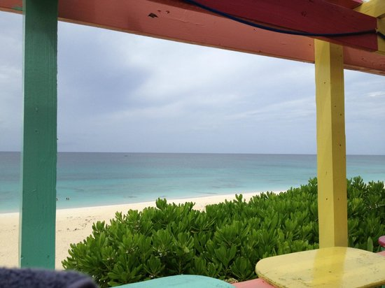 Nippers Beach Bar & Grill : View from Nippers