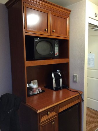 Hilton Garden Inn Gettysburg : Coffee maker, microwave and fridge