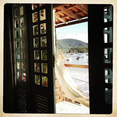Pousada Mara E Claude: vue du balcon de la chambre. hamac au top!