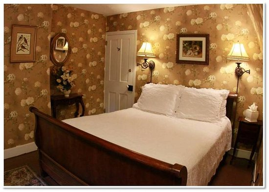 The Mason Cottage Bed & Breakfast Inn : The Grand Mason Spa Suite at the Mason Cottage, Cape May B&B