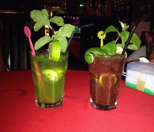 Atlichnaya Bar: Virgin mojito et strawberry mojito !