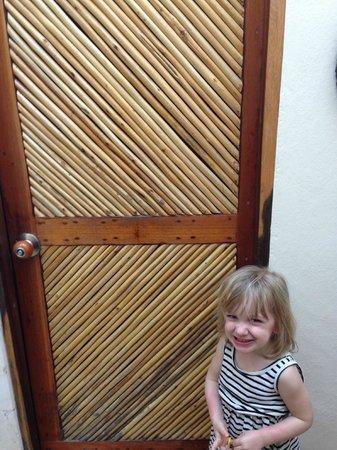 La Selva Mariposa: Beautiful bathroom door (cute kid).