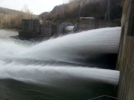 Summersville Dam: right up on it on the other side (there are stairs...and rails)