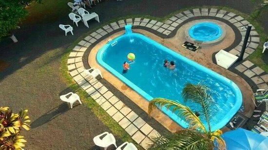 Elegance Palace Hotel: Vista area de la piscina
