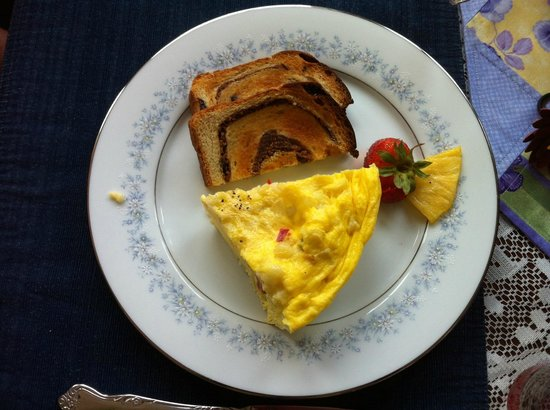 Echoes of the Glen Bed & Breakfast: Great Breakfast