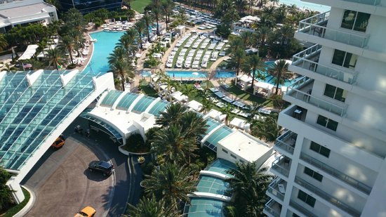 Fontainebleau Miami Beach: View