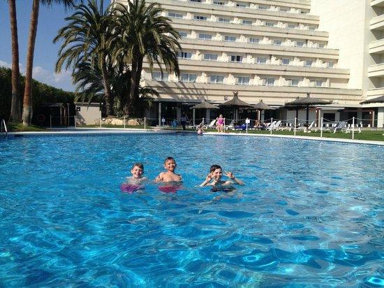 Melia Sitges: Pool