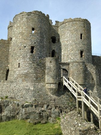 Gwynfryn Farm Cottages and B&B: Harlech castle