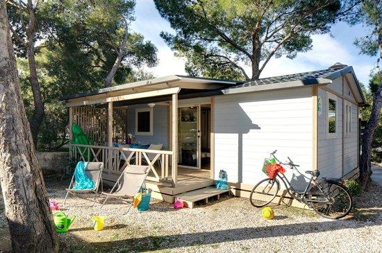 Camping La Presqu'ile de Giens: chalet pacific giens
