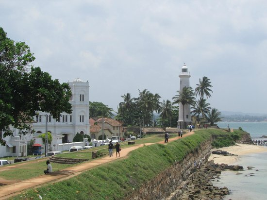Old Town of Galle and its Fortifications: Lighthouse and Mosque