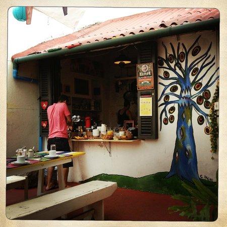 Casalegre Art Vila B&B - Santa Teresa: terrasse du petit dej
