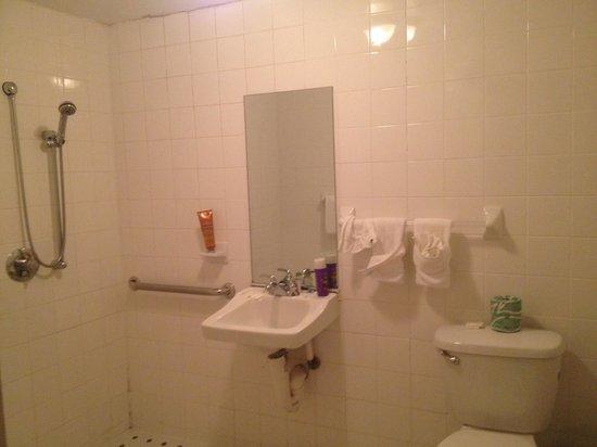 Beach Place Hotel: Banheiro