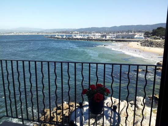 Monterey Bay Inn : Best room corner suite