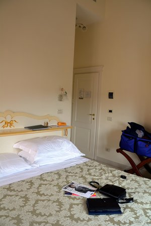 Hotel Villa Elda: High Ceilings