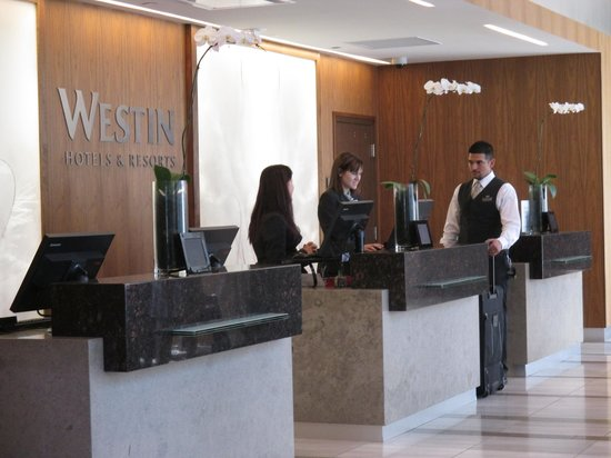 Westin Phoenix Downtown: Front Desk