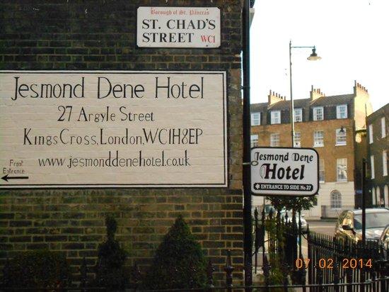 Jesmond Dene Hotel: La entrada al Hotel