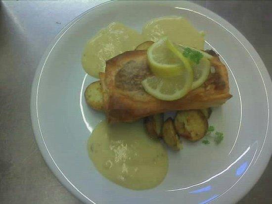 The Oak at Dewlish: Salmon in filo pastry. Yum.