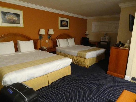 Super 8 Monterey/Carmel: grote kamer
