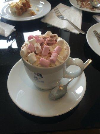 Ice Bar Cafe: Hot Chocolate