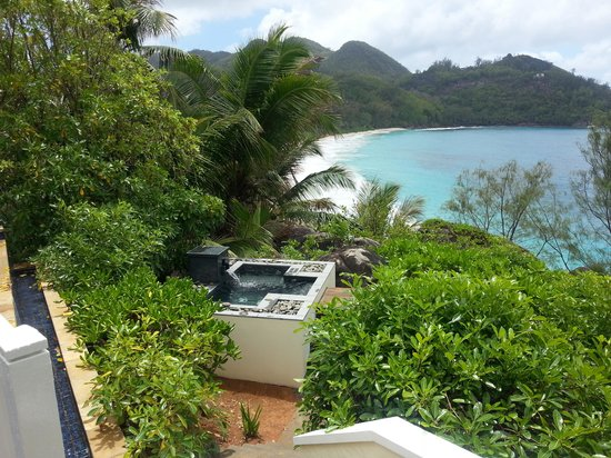 Banyan Tree Seychelles: Jacuzzi and view room 301