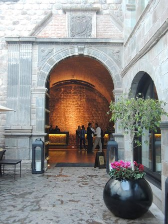 JW Marriott El Convento Cusco: Outside of the hotel