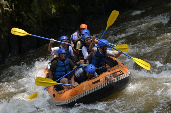 Bali Sobek: asyiknya air sungai Ayung
