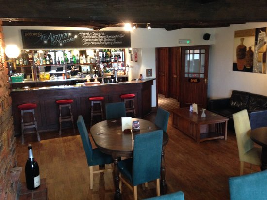 The Airman Hotel: Refurbished Hotel Bar