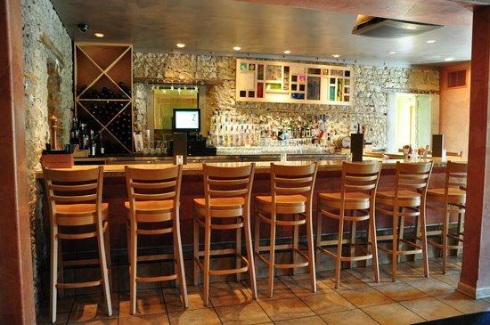 Zin Uncommon Cal Italian: Bar