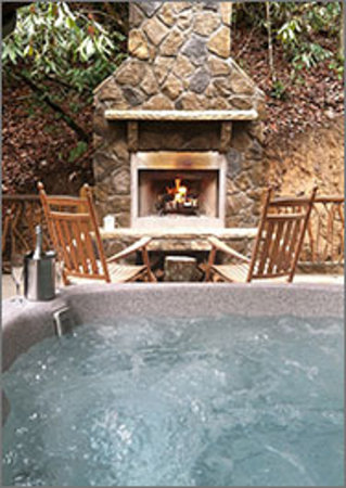 Merveilleux Cherokee Mountain Cabins: Cherokee Lodge Hot Tub And Fireplace