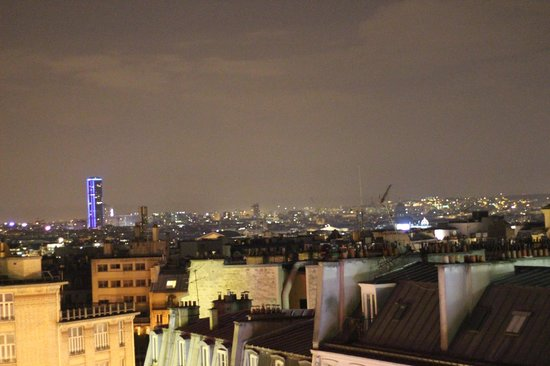 Mercure Paris Montmartre Sacre Coeur: View from our room