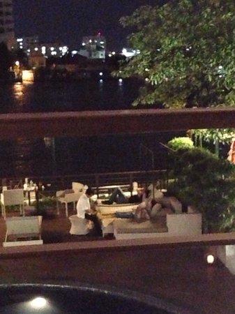 Riva Surya Bangkok : Foot massage pool side