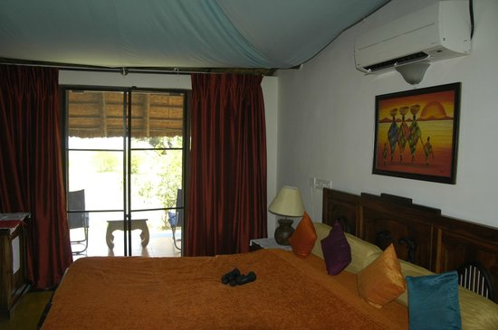 Red Earth, Kabini : inside cottage