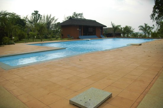Red Earth, Kabini : large and clean pool